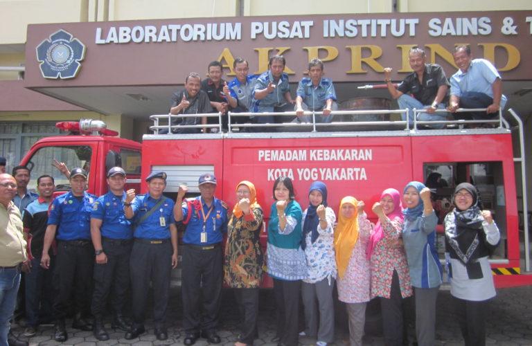 Pelatihan K3 Laboratorium dan DAMKAR