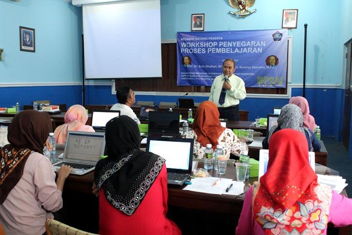 25 Dosen ikuti Workshop Penyegaran Proses Pembelajaran