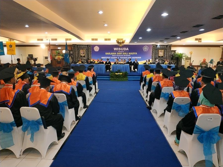 125 Wisudawan Mengikuti Wisuda Periode II Tahun Akademik 2018/2019